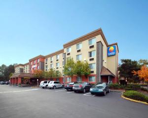 Comfort Inn & Suites (Downtown)