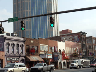 WPC News | You can have a foot-stompin' Valentine's Day on Nashville's Broadway. (Photo courtesy Steve Winston)