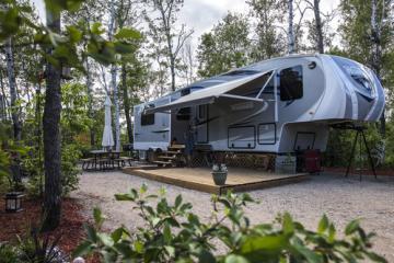 Book campsites and RV spots | Travel Manitoba