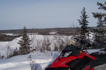 Quality snowmobiling in Manitoba, groomed trails | Travel Manitoba