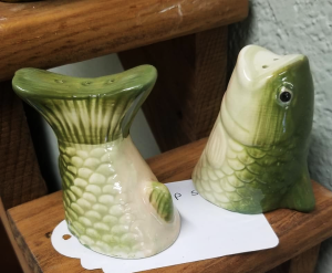 Fish head and tail salt and pepper shakers at Creative Crapola