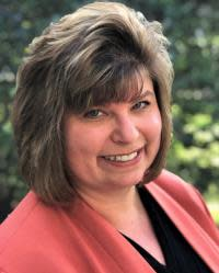 PBI Appoints New Airport Director Laura Beebe