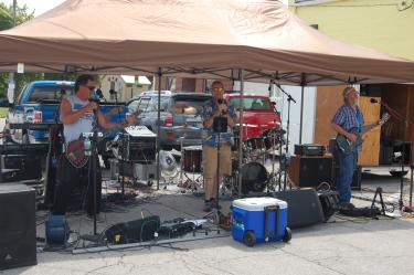 Live entertainment, music at Cruisin in Coatesville