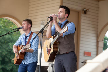 Byrne and Kelly Perform at Riverfest in St. Charles