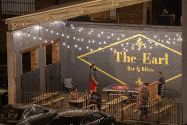 The Earl outdoor patio