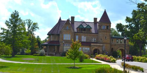 Bass Mansion