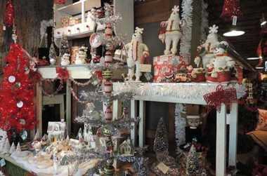 Winter Festivals in Laurel Highlands | Tree Lights & Parades