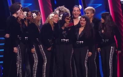 flor de toloache recieving a grammy at the Latin Grammy Awards