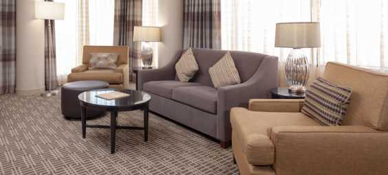 Exec-Suite-at-doubletree-overland-park-hotel