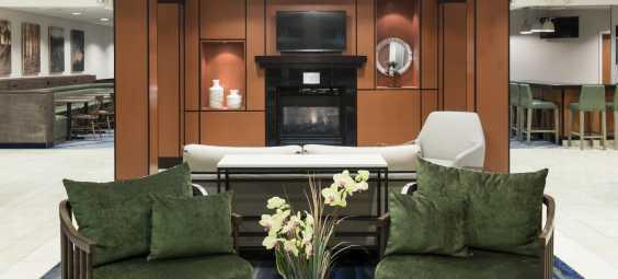 Fairfield Inn and Suites Lobby
