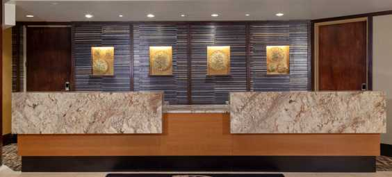 doubletree-overland-park-hotel-lobby