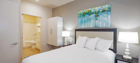 water walk hotel overland park bedroom