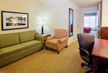 Country Inn & Suites room