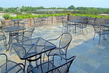 Blue Sky Bar and Grill - Rooftop