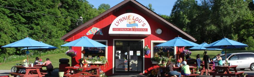 Exterior of Lynnie Lou's Icecream