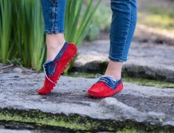 Aida Stenholm blue and red shoes