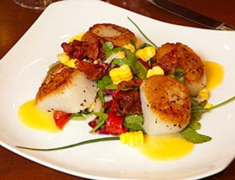 Dining_Chesters Chophouse_Scallops