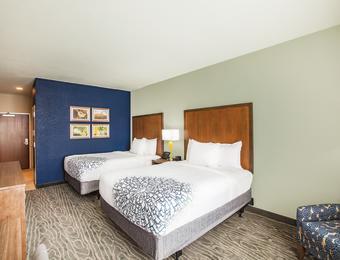 La Quinta NE D/D room Visit Wichita