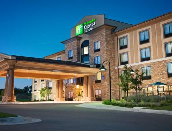 Holiday Inn Exp NE Exterior Visit Wichita