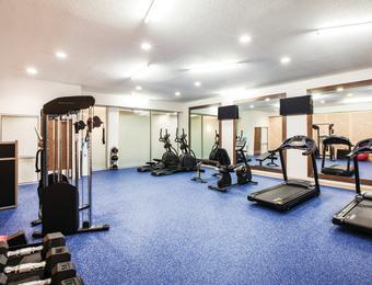 La Quinta fitness center Visit Wichita
