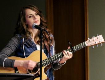 Bash girl singer Visit Wichita