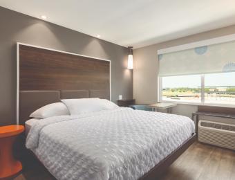Guest Room Tru by Hilton Wichita partner provided Visit Wichita