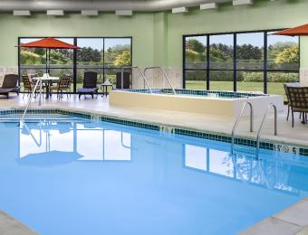 Holiday Inn East Wichita I35 Indoor Pool