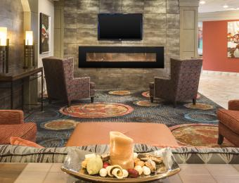 Holiday Inn East Wichita I35 Lobby