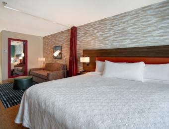 Hotel Room Home2 Suites by Hilton Wichita Downtown Delano