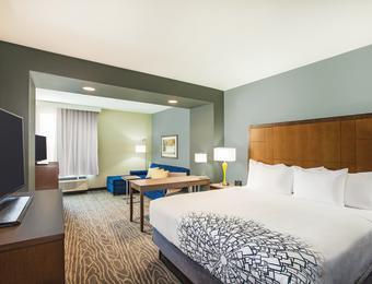 La Quinta NE King suite Visit Wichita