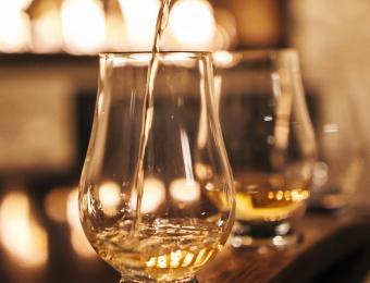 Marriott Fireside Bourbon Pour