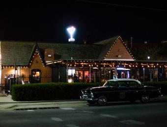 Mort's Exterior Night