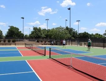 Ralph Wulz Riverside Pickleball courts