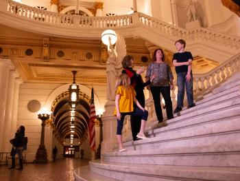 pennsylvania-state-capitol-building-tour-family-budget-friendly-attractions