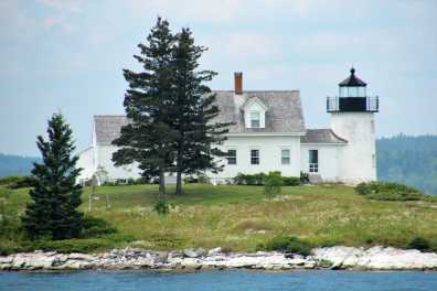 Pumpkin Island Light