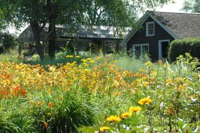 Fieldstone Gardens
