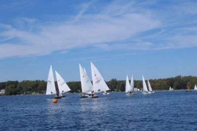 michigan-sailing-club.jpg
