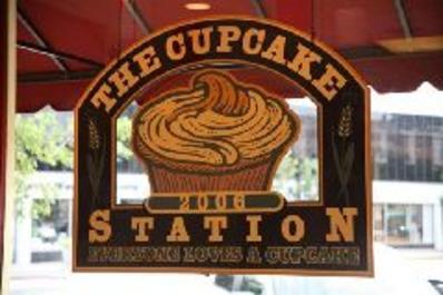 the-cupcake-station.JPG