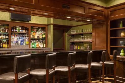 Cut'z Lounge Bar