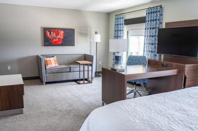 Hampton Inn King Suite Guest Room Seating