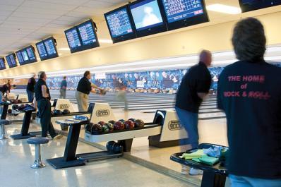 League-Bowling-web.jpg