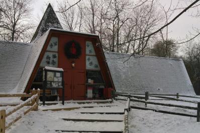 2015 Snowy Chalet