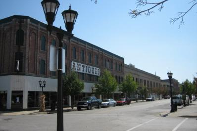 Bay City Antiques Center