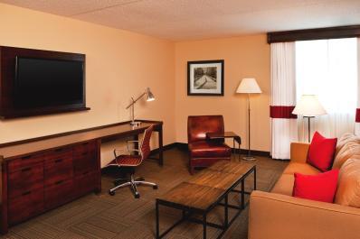 King Parlor Suite