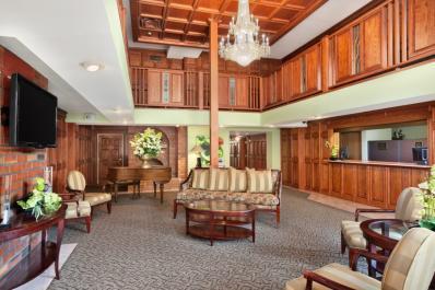 Ramada Saginaw Lobby