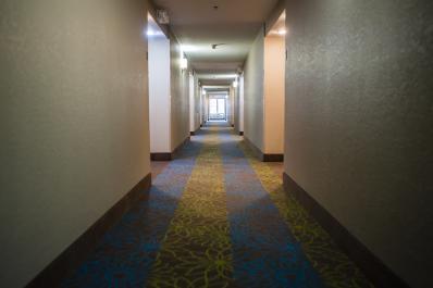 SleepInn_Hallway_01