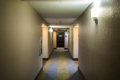 SleepInn_Hallway_05