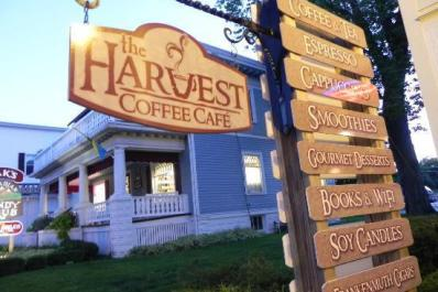 Harvest Coffee House & Beneary