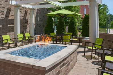 SpringHill Suites | Fire Pit