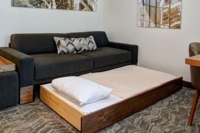 SpringHill Suites | Trundle Couch